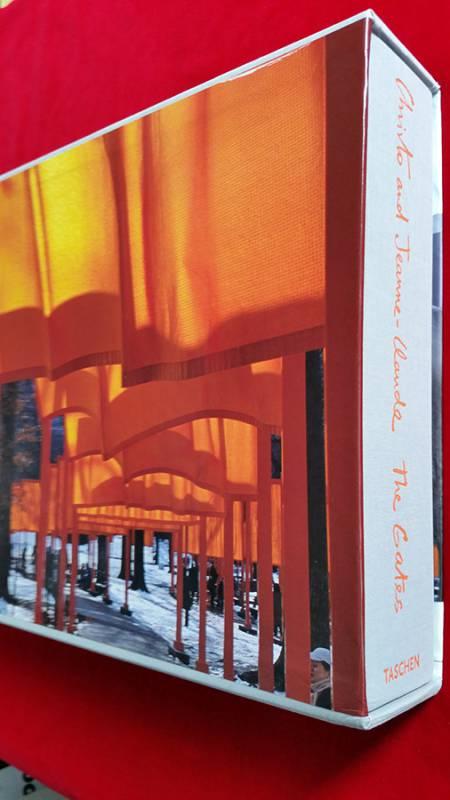 N.Y. Gates Buch von Christo.jpg
