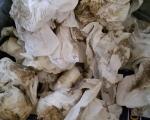 benutzte Tücher nach einem Restaurierungsvorgang.jpg
